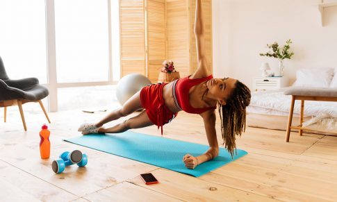 3 apps para entrenar desde casa y mantenerte saludable durante la cuarentena
