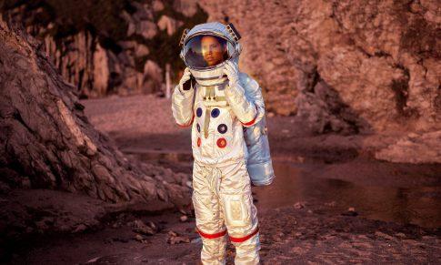 La NASA planea mandar a la primera mujer a la luna